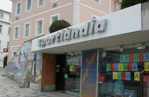 Decoração exterior fachada Sportlândia em fresa